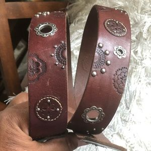 """Fossil Embossed Silver Accent Belt Size L/41"""""""